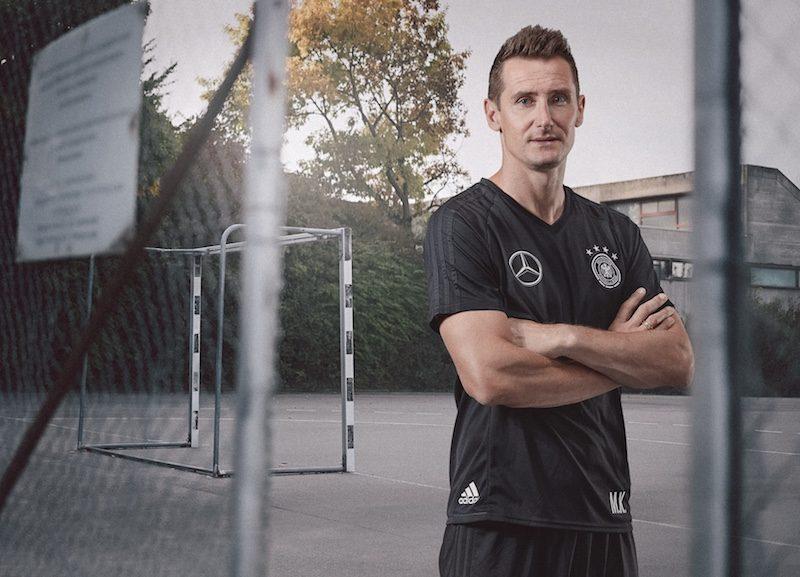 Michael-Philipp-Bader-DFB_Klose_Miro_Trikot